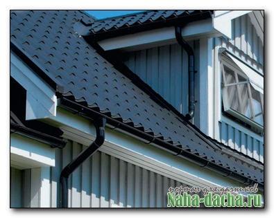 Водоотвод с крыши на даче