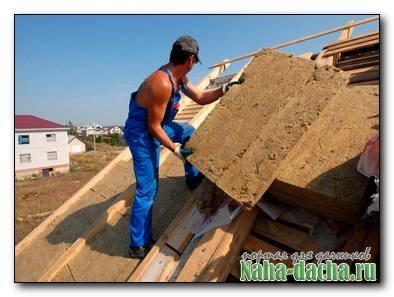 Как утеплить крышу частного дома своими руками