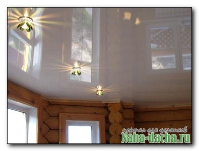Стоит ли устанавливать натяжные потолки на даче