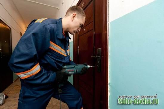 Как правильно вскрывать двери