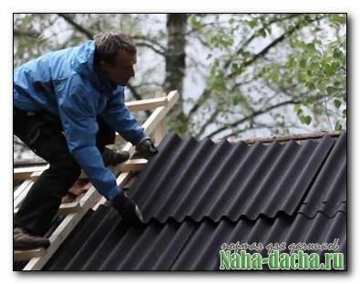 Как и чем лучше ремонтировать прохудившуюся крышу на даче